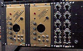Rack mounted vacuum tube synthesizer modules